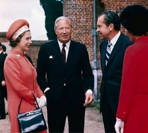 uk_queen_us_presidents_08